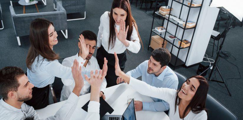 Integración de equipos de trabajo de alto desempeño y autodirigibles